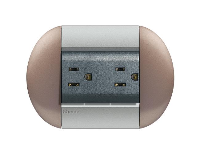 tomacorriente Placa Livinglight eliiptica color Bronce 3 mod